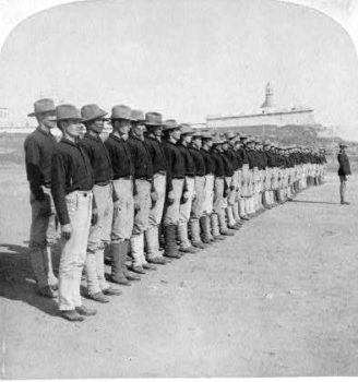 Puerto Ricans enlisting in the US Army photo