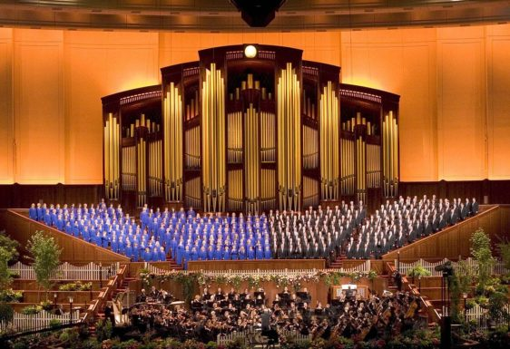 The Mormon Tabernacle Choir which inspired young Tara and her brother.